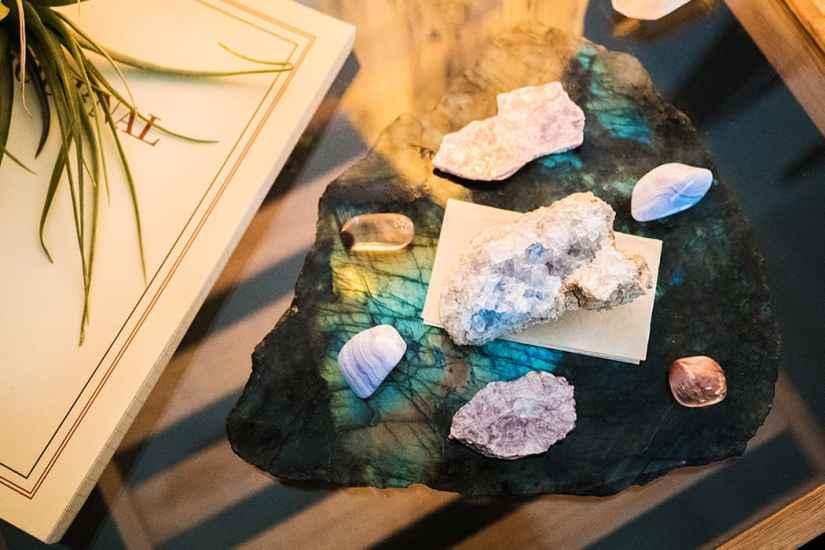 水晶生活意識型態
